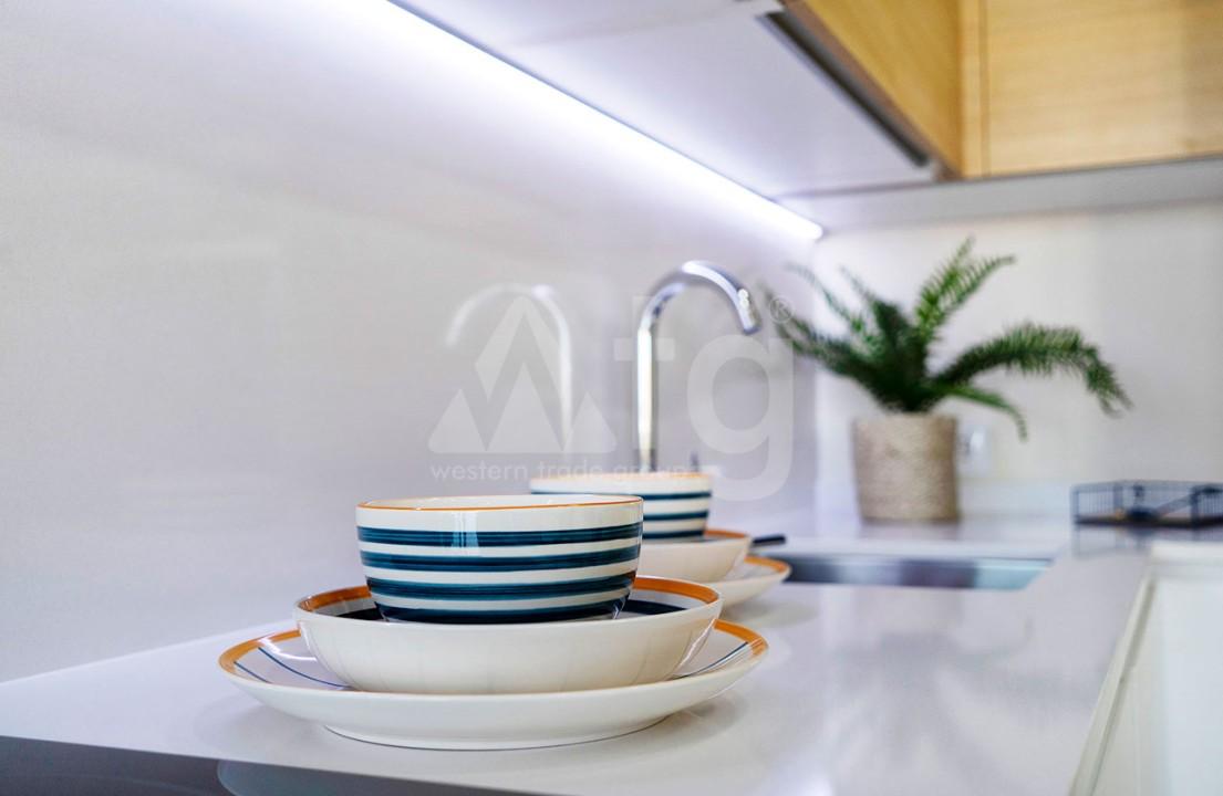 Appartement de 2 chambres à Torrevieja - CYM116015 - 13