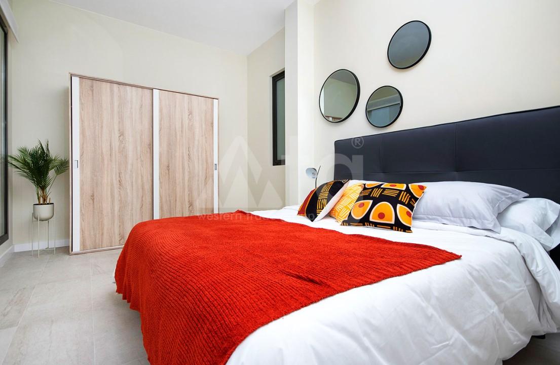 Appartement de 2 chambres à Torrevieja - CYM116015 - 15
