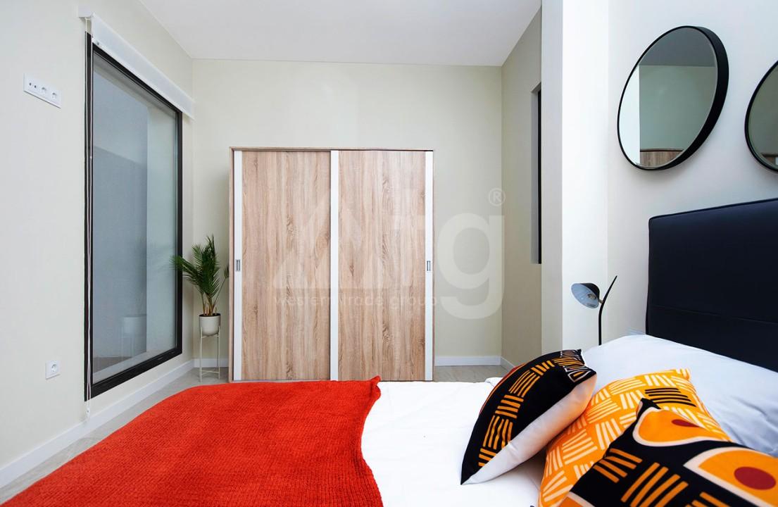 Appartement de 2 chambres à Torrevieja - CYM116015 - 16