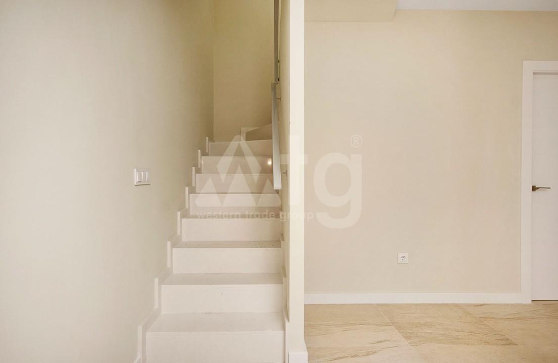 Appartement de 2 chambres à Torrevieja - CYM116015 - 23