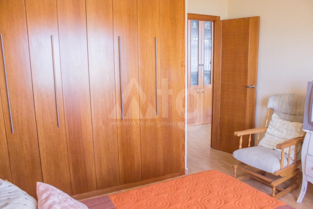 Appartement de 3 chambres à Torrevieja - W8706 - 13