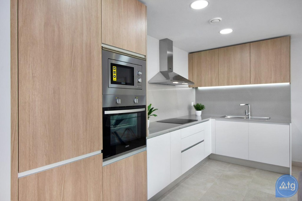 Appartement de 3 chambres à Torrevieja - MS115093 - 8