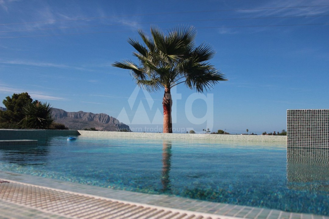 4 bedroom Villa in Finestrat  - CAM117623 - 9