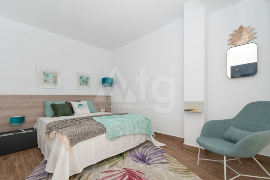 4 bedroom Villa in La Marina  - AT115098 - 11