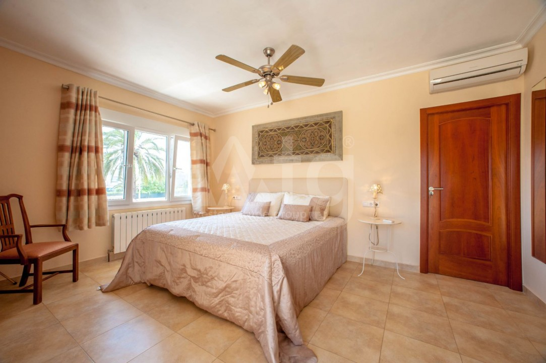 4 bedroom Villa in Cabo Roig  - B1344 - 11