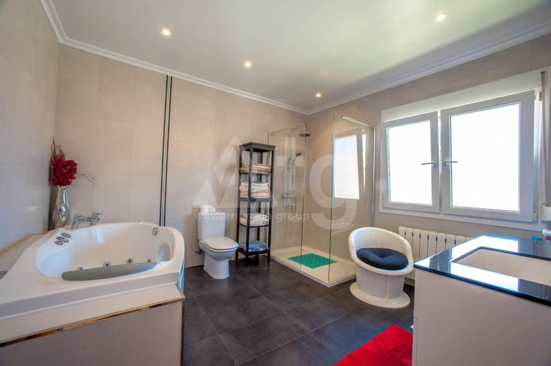 4 bedroom Villa in Cabo Roig  - B1344 - 12