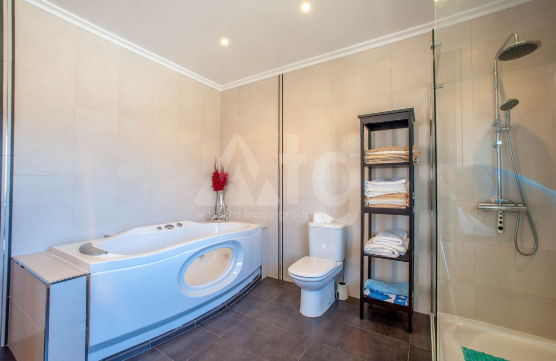4 bedroom Villa in Cabo Roig  - B1344 - 13