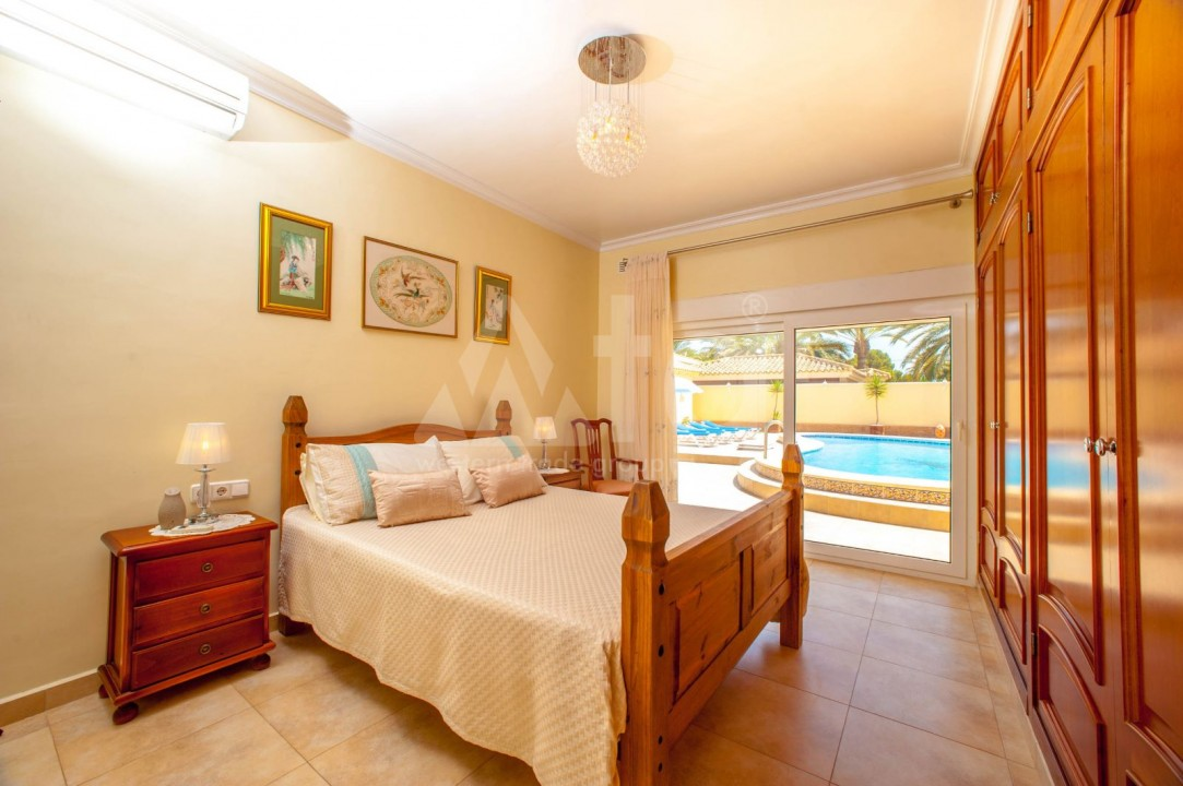 4 bedroom Villa in Cabo Roig  - B1344 - 14