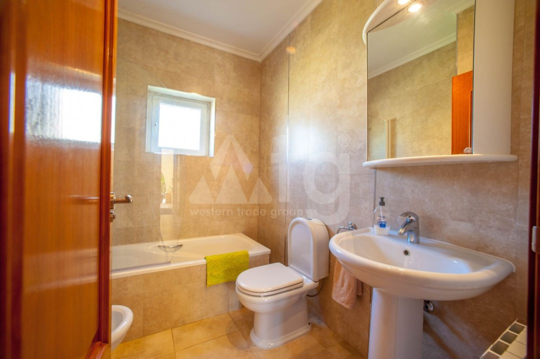 4 bedroom Villa in Cabo Roig  - B1344 - 15