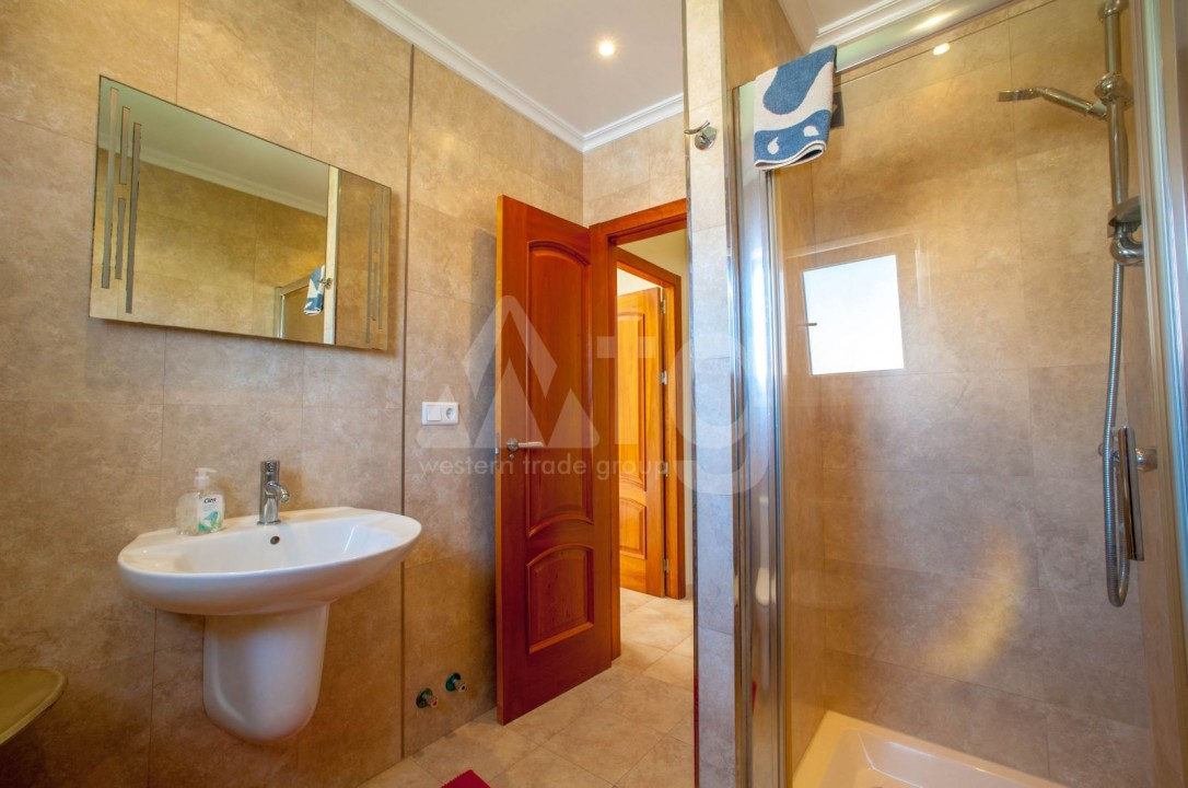 4 bedroom Villa in Cabo Roig  - B1344 - 18