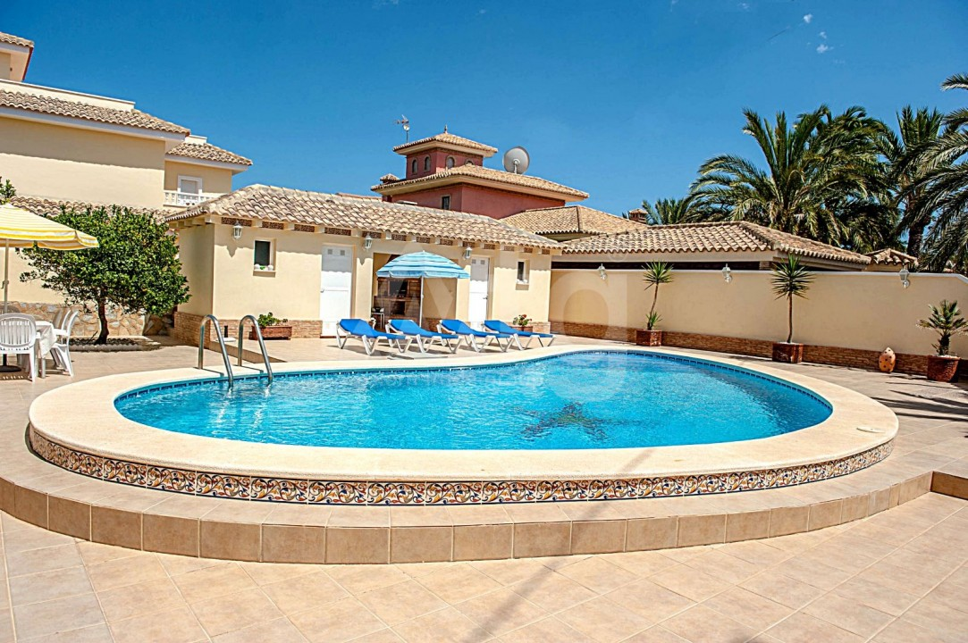 4 bedroom Villa in Cabo Roig  - B1344 - 22
