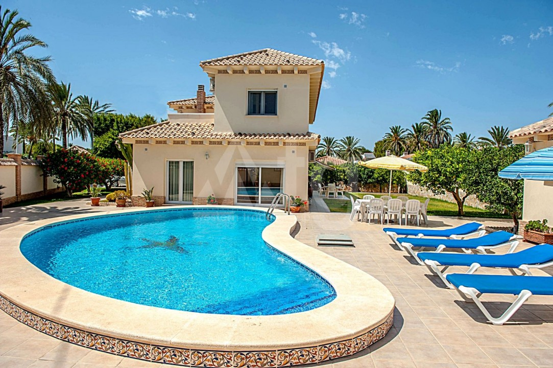 4 bedroom Villa in Cabo Roig  - B1344 - 23