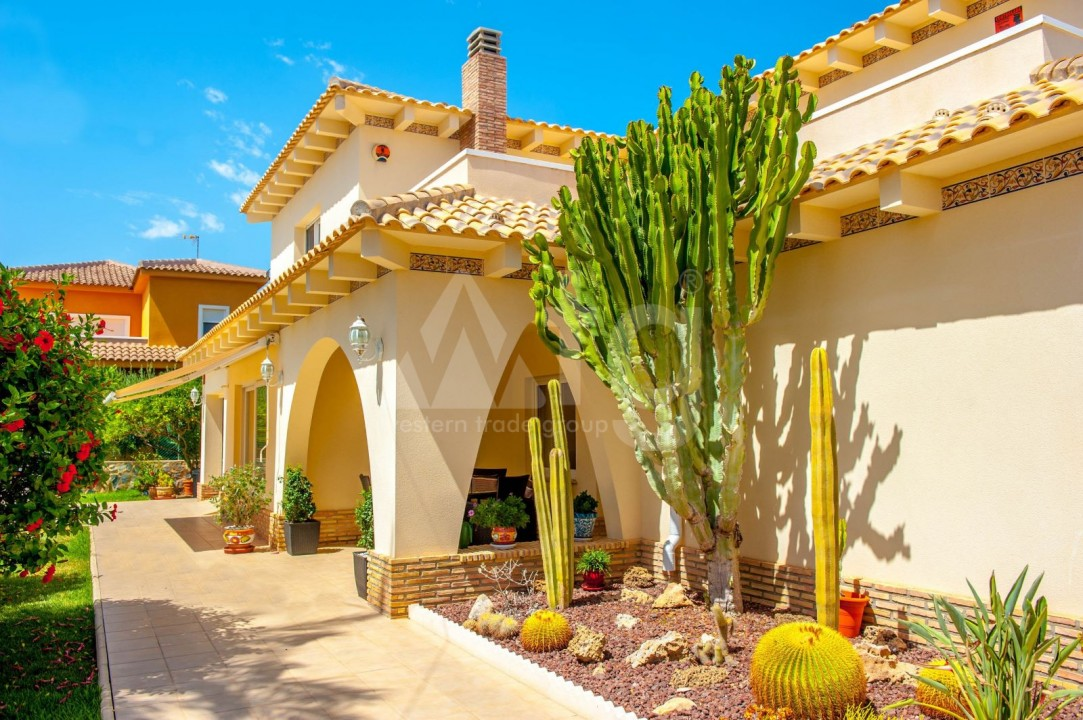 4 bedroom Villa in Cabo Roig  - B1344 - 24
