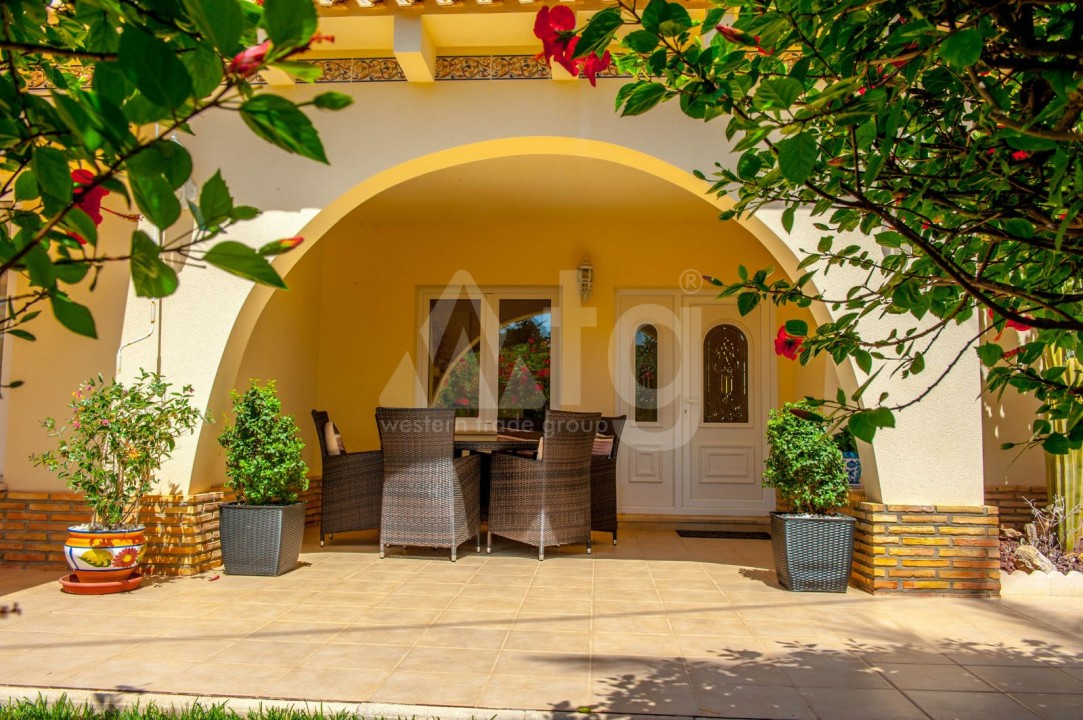 4 bedroom Villa in Cabo Roig  - B1344 - 25