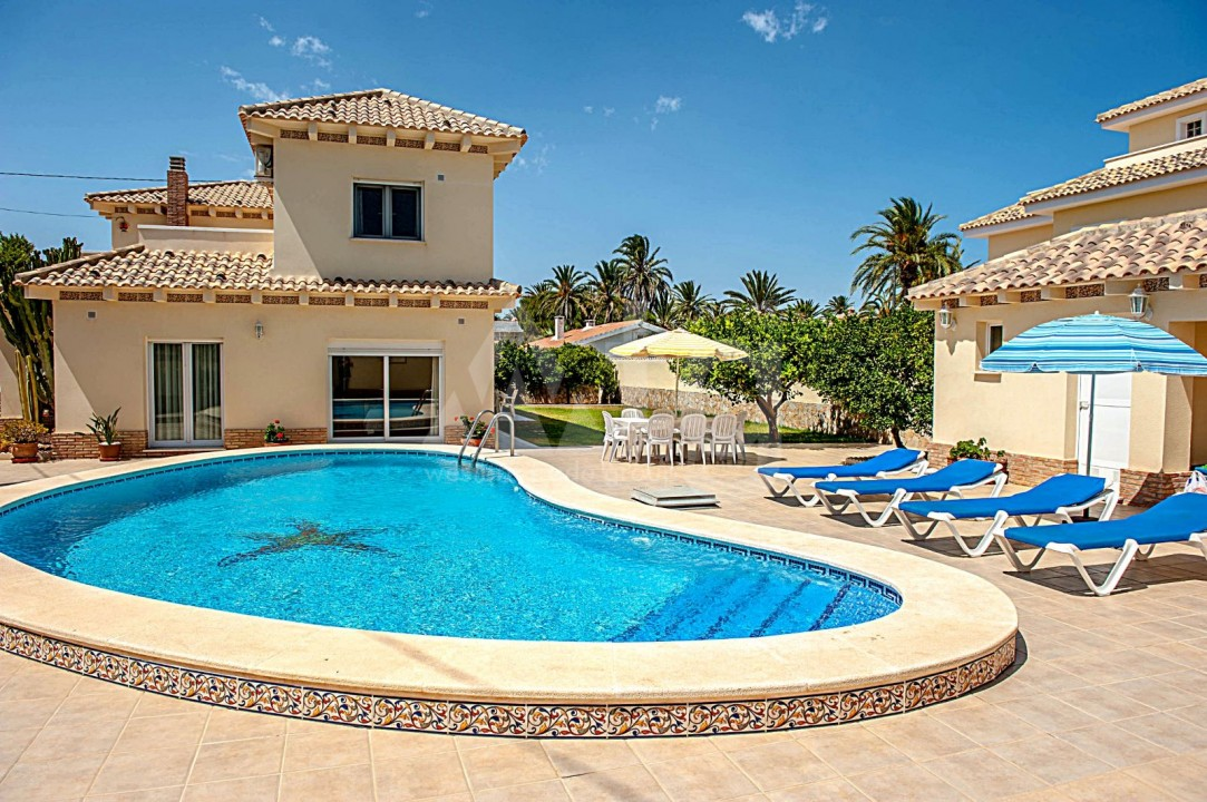 4 bedroom Villa in Cabo Roig  - B1344 - 2