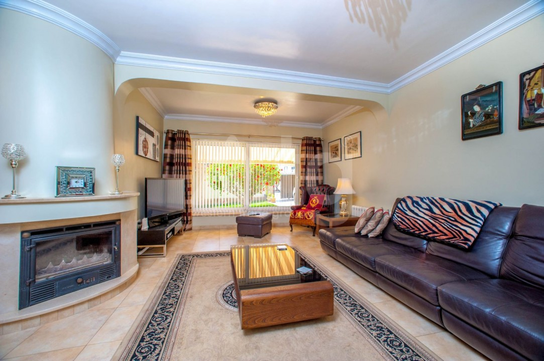 4 bedroom Villa in Cabo Roig  - B1344 - 3