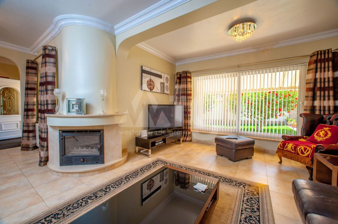 4 bedroom Villa in Cabo Roig  - B1344 - 4