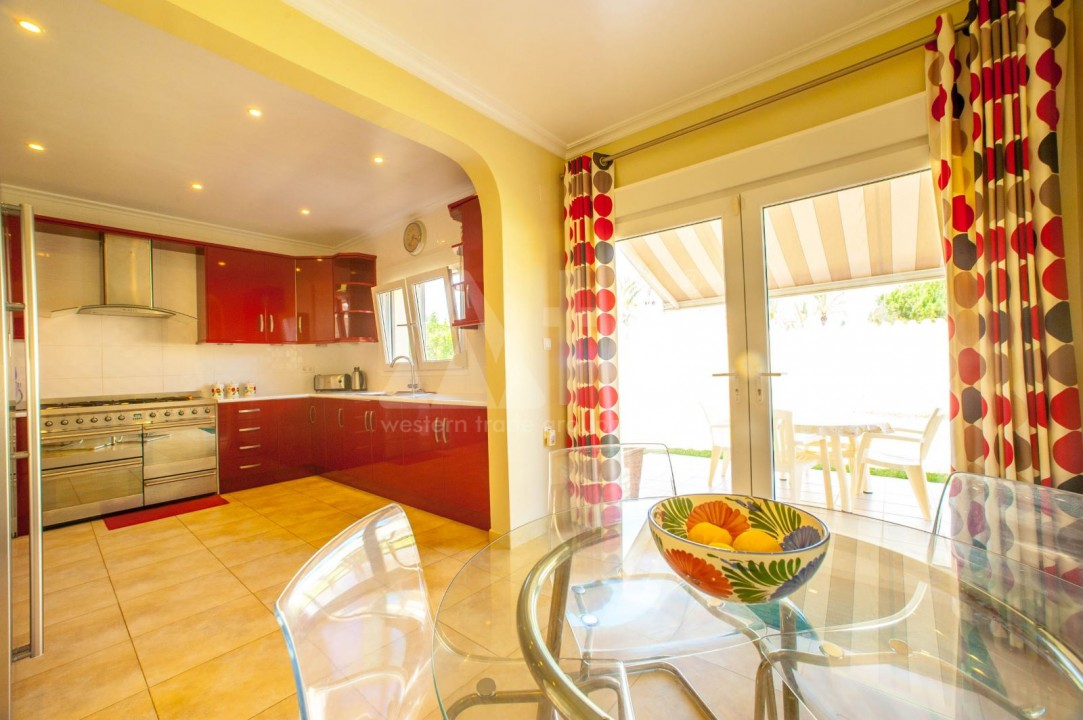 4 bedroom Villa in Cabo Roig  - B1344 - 7