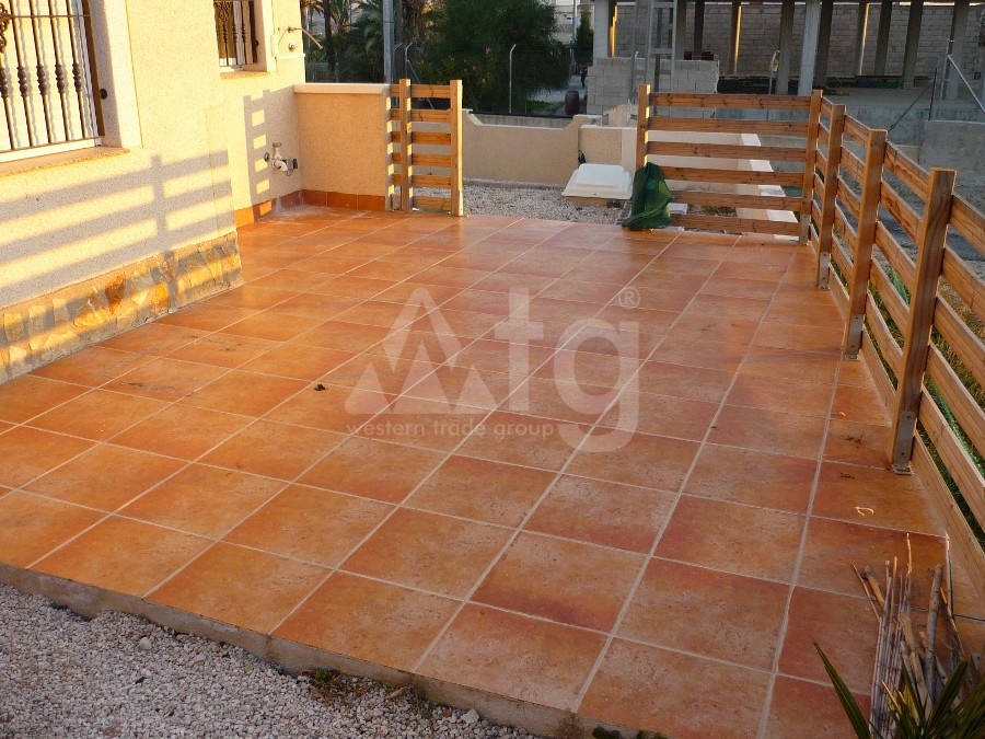 2 bedroom Bungalow in Torrevieja  - AG9423 - 3