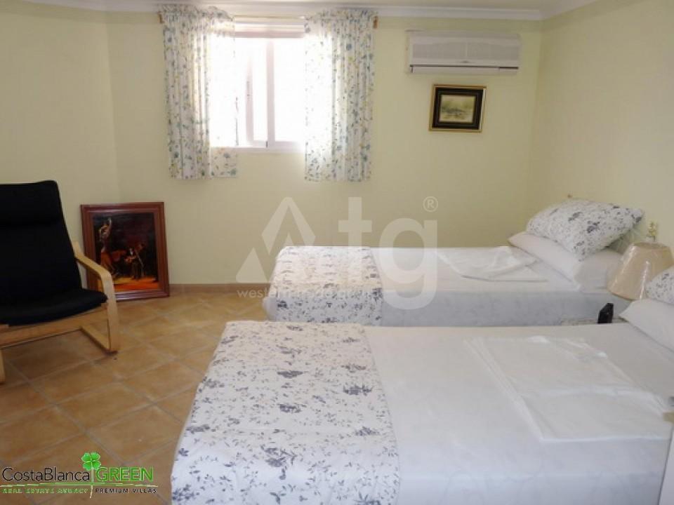 2 bedroom Bungalow in Torrevieja - IM114098 - 12