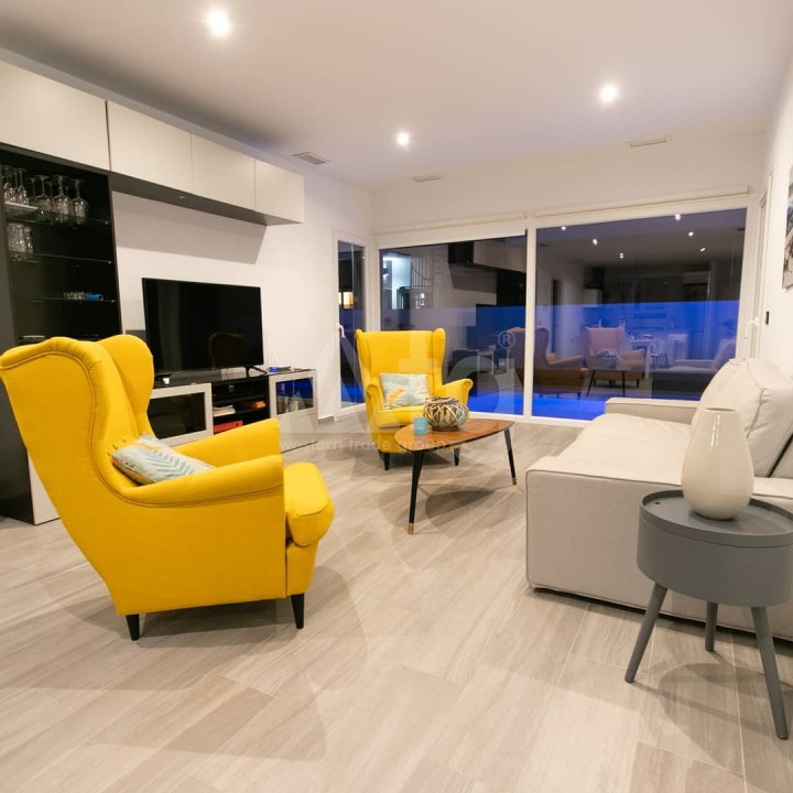 2 bedroom Bungalow in Torrevieja  - GK116095 - 6
