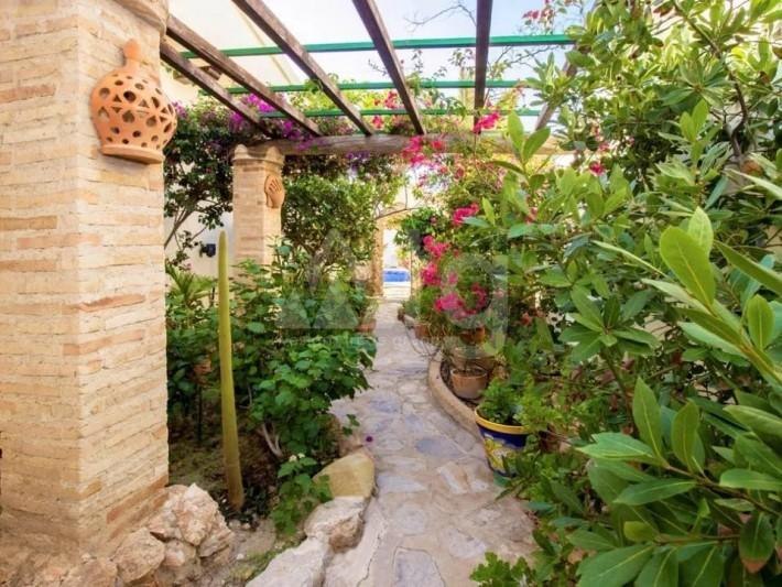 Bungalow de 3 chambres à Torrevieja - AGI115459 - 21