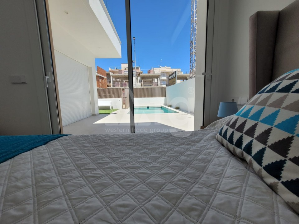 3 bedroom Apartment in Torrevieja  - GK116093 - 10