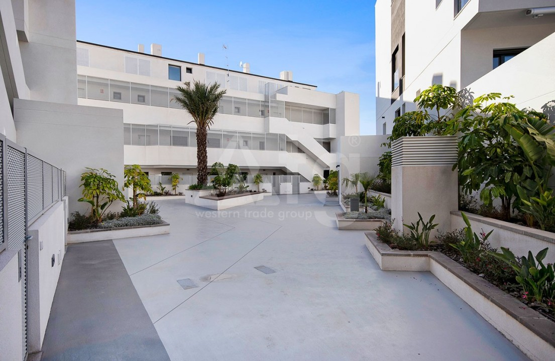 3 bedroom Apartment in Torrevieja  - CYM116016 - 15