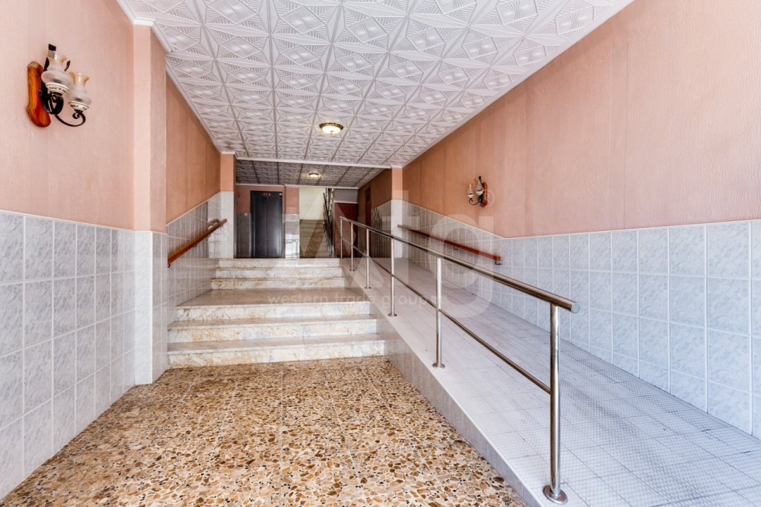 3 bedroom Apartment in Torrevieja  - CYM116016 - 32