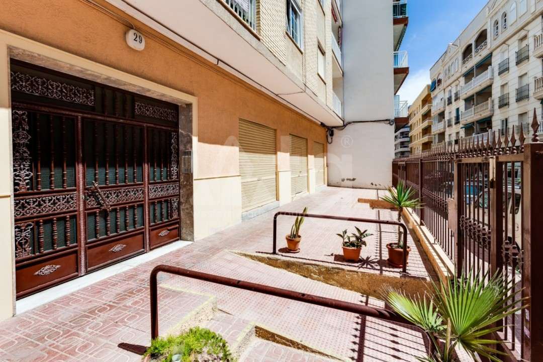 3 bedroom Apartment in Torrevieja  - CYM116016 - 33