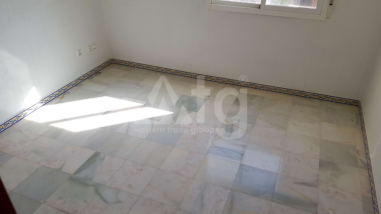 2 bedroom Apartment in Torrevieja - ARCR0469 - 13