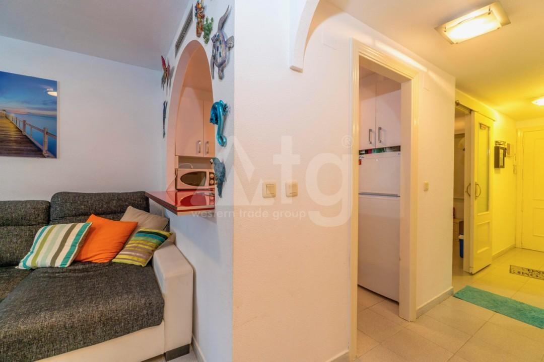 3 bedroom Apartment in Torrevieja - Z7226 - 22