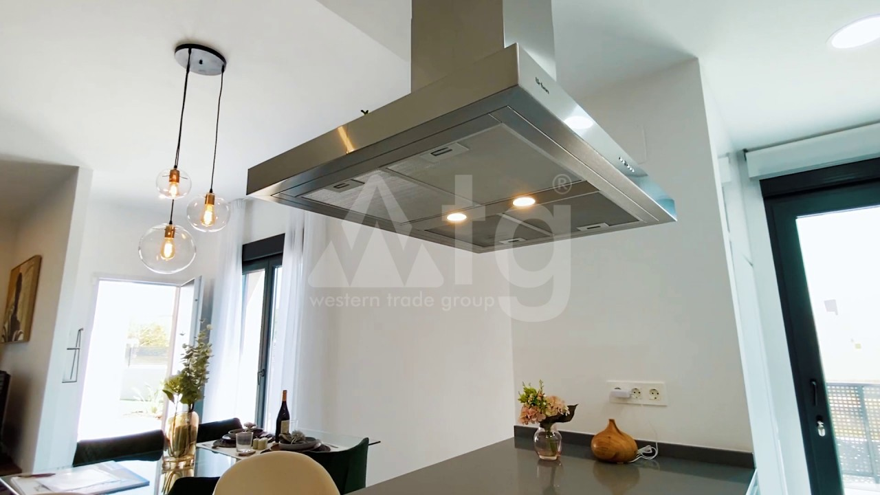 3 bedroom Apartment in Torrevieja  - ERF115841 - 11