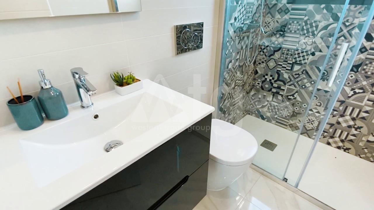 3 bedroom Apartment in Torrevieja  - ERF115841 - 12