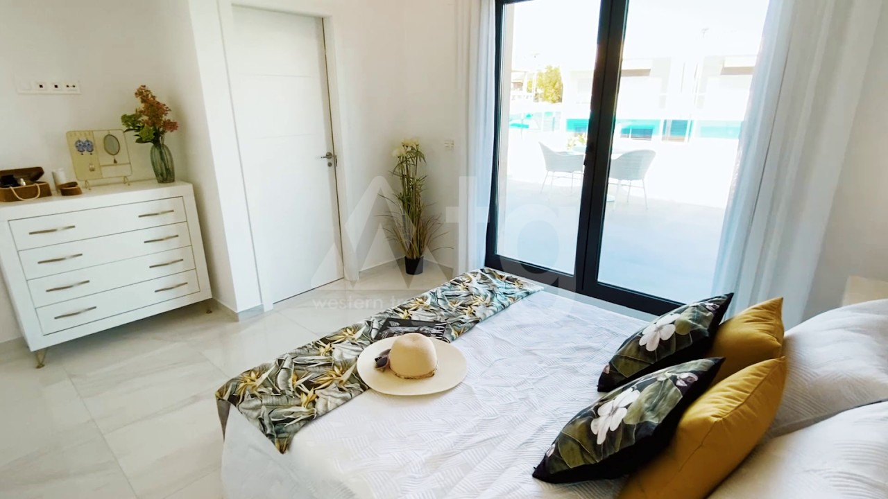 3 bedroom Apartment in Torrevieja  - ERF115841 - 7