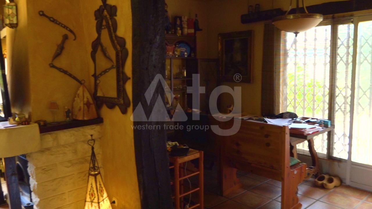 2 bedroom Apartment in Torrevieja  - AGI115576 - 11