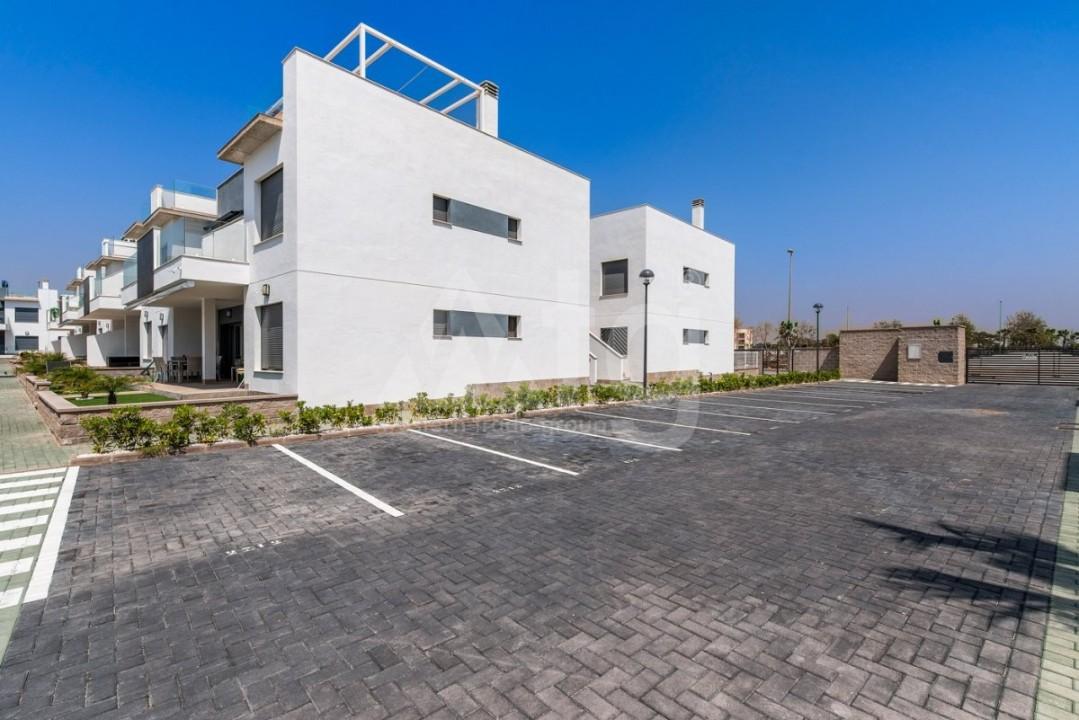 2 bedroom Apartment in Villajoyosa  - QUA8616 - 32