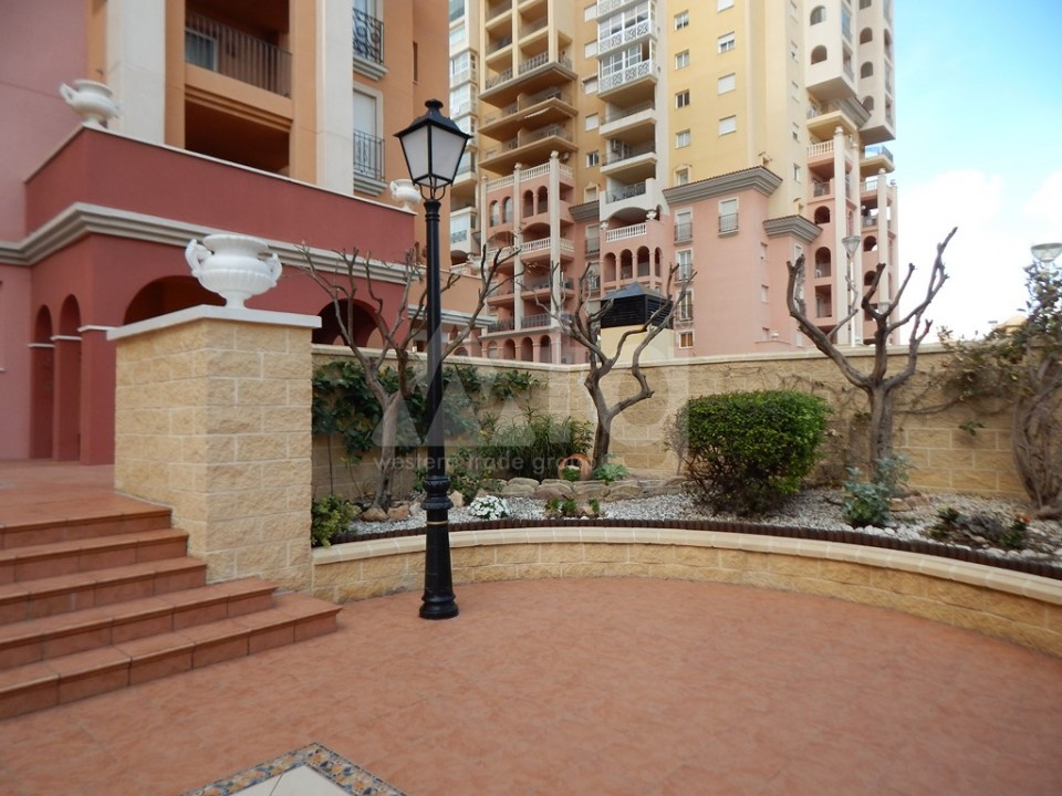 3 bedroom Apartment in Torrevieja  - AG9178 - 14