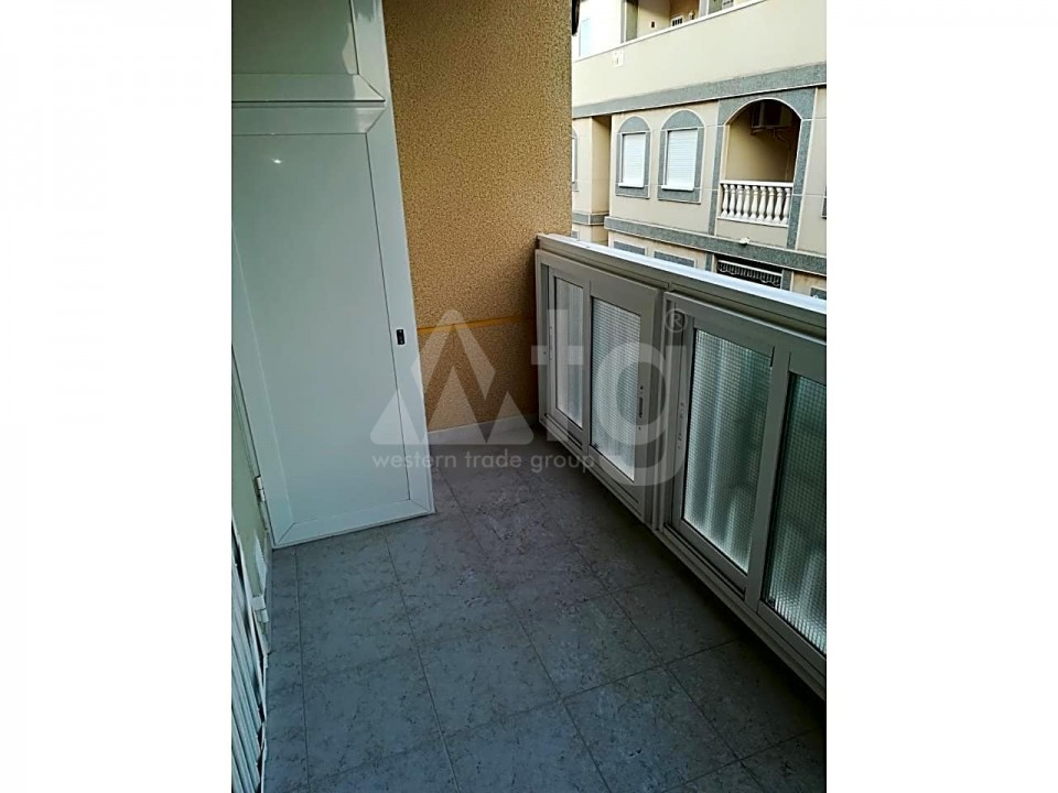 2 bedroom Apartment in Torrevieja - ARCR0488 - 12
