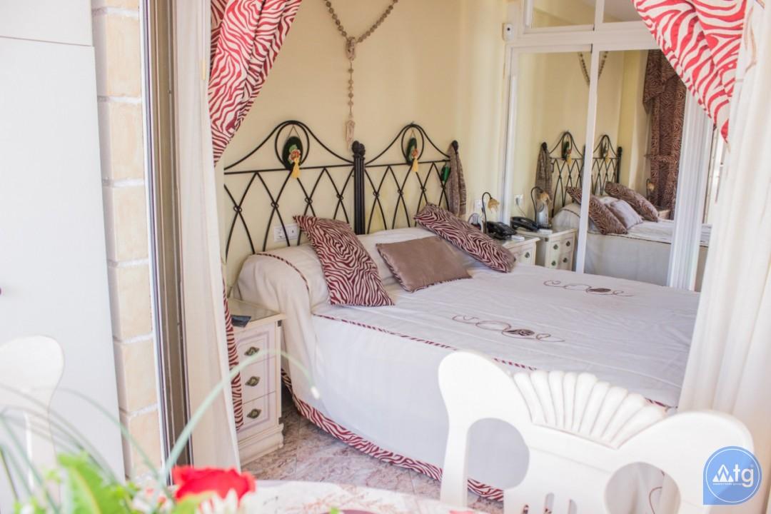 2 bedroom Apartment in Torrevieja  - W8662 - 14