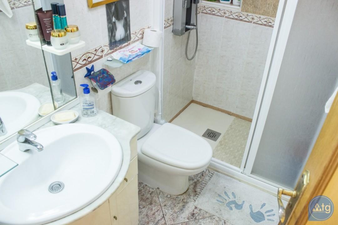 2 bedroom Apartment in Torrevieja  - W8662 - 16