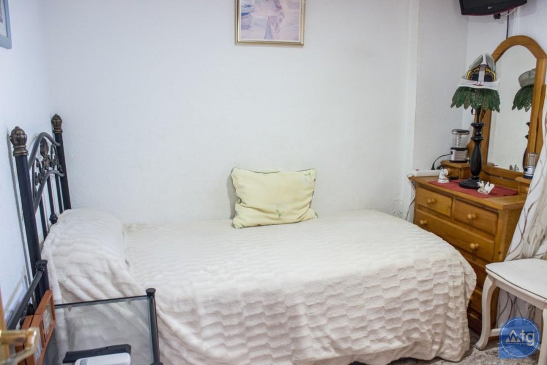 2 bedroom Apartment in Torrevieja  - W8662 - 20