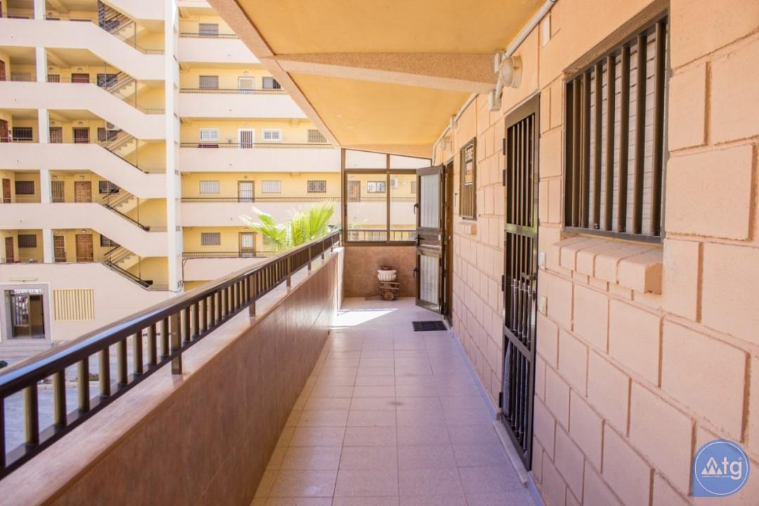 2 bedroom Apartment in Torrevieja  - W8662 - 21