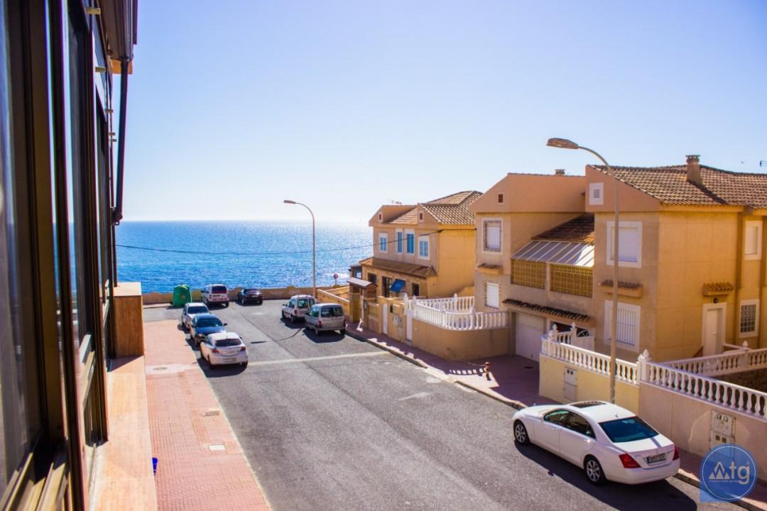 2 bedroom Apartment in Torrevieja  - W8662 - 26