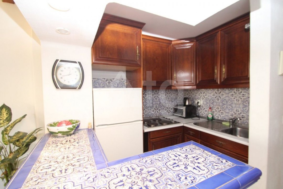 2 bedroom Apartment in Torrevieja  - W8662 - 4