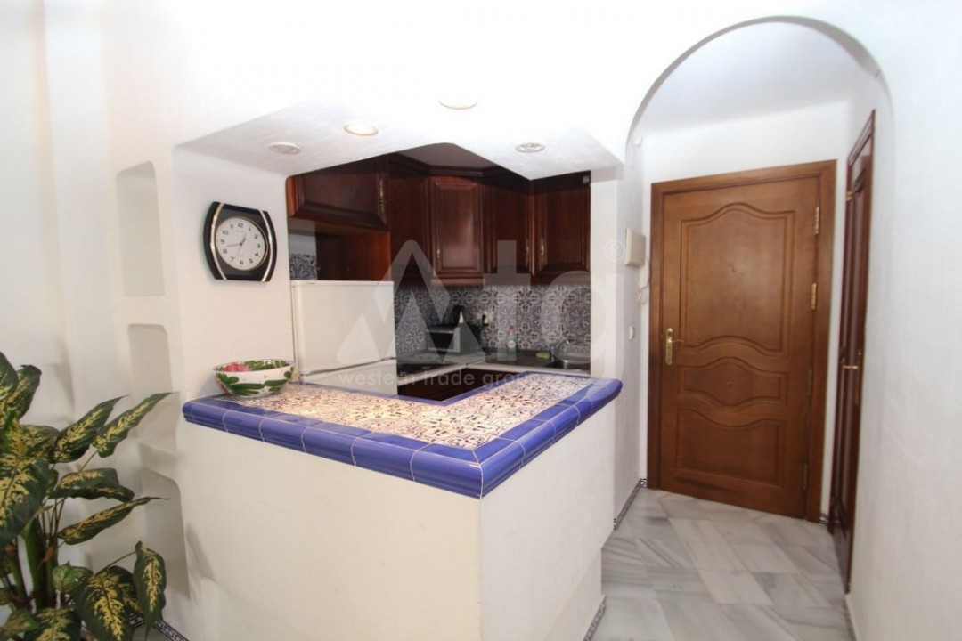 2 bedroom Apartment in Torrevieja  - W8662 - 5