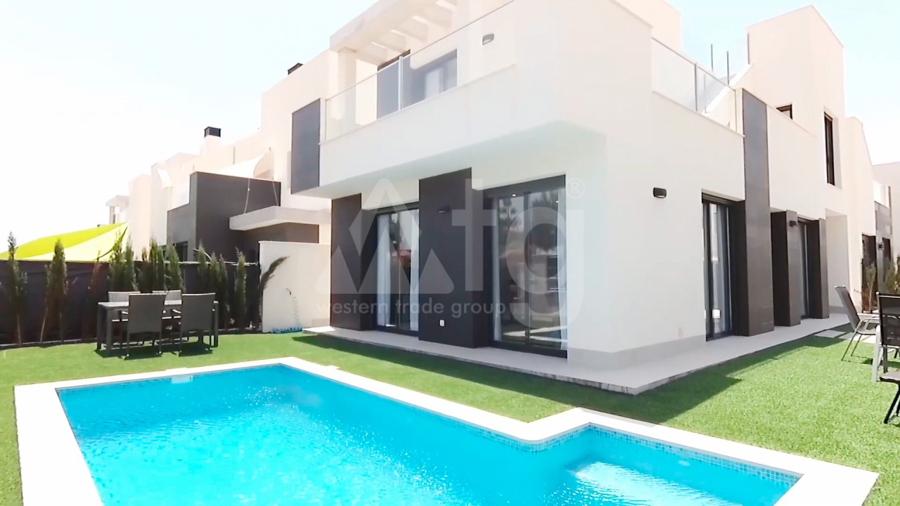 4 bedroom Apartment in Torrevieja  - AG4244 - 1
