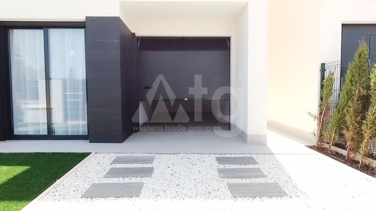 4 bedroom Apartment in Torrevieja  - AG4244 - 8