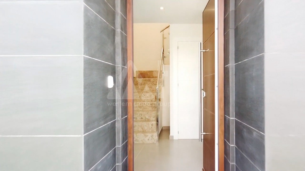 4 bedroom Apartment in Torrevieja  - AG4244 - 9
