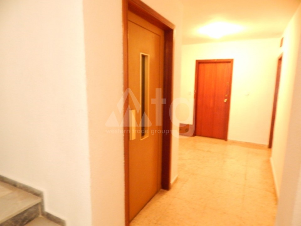 3 bedroom Apartment in Torrevieja  - AG9409 - 15